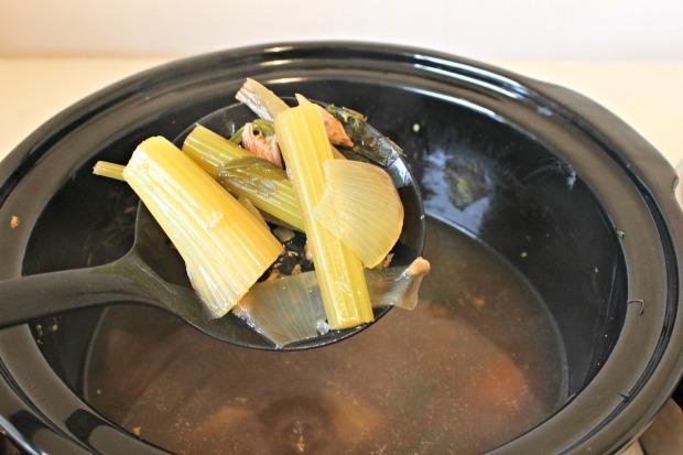 Homemade chicken stock (7)